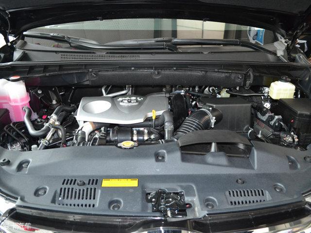 汉兰达有2.0l涡轮增压发动机和3.5l自然吸气发动机两款可供选择.