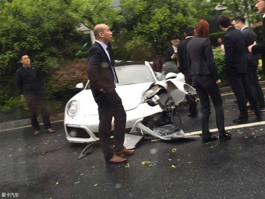 豪车车祸;豪车事故