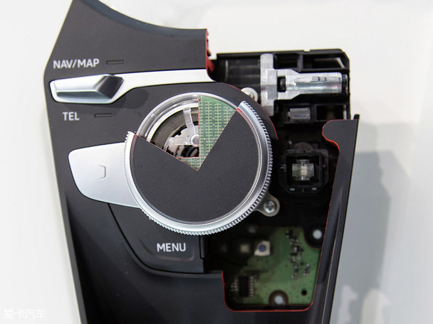 audiTT虚拟驾驶舱