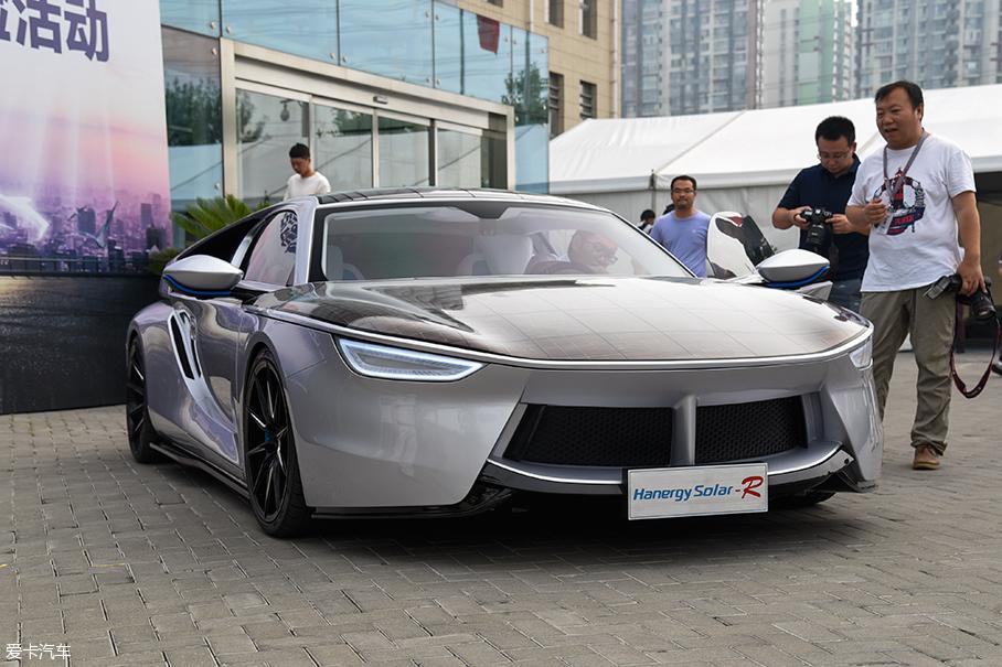 体验汉能太阳能汽车